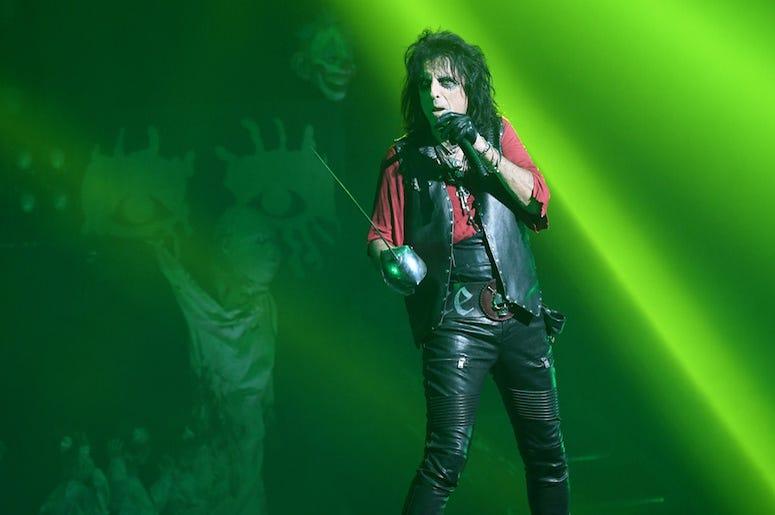 Alice Cooper, Singing, Concert, Green