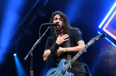 Dave Grohl, Foo Fighters, Concert, Arms Crossed