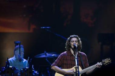 Deacon Frey, Guitar, Singing, Concert, The Eagles, Don Henley