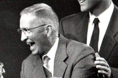H. Ross Perot, Debate, Greeting Questioners, 1992