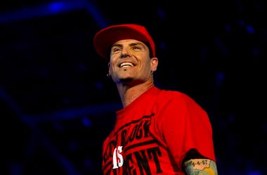 Vanilla Ice, Concert, Smiling, Red