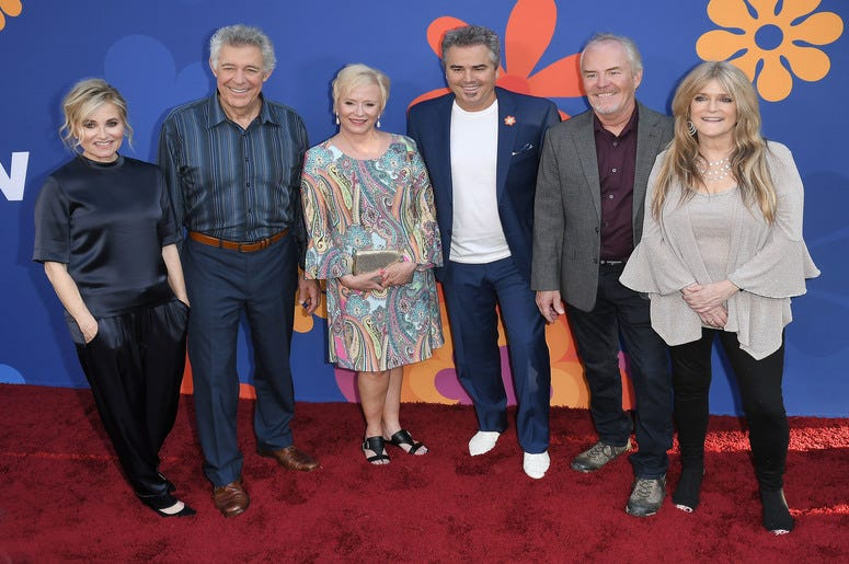 THE BRADY BUNCH Cast - Maureen McCormick, Barry Williams, Eve Plumb, Mike Lookinland and Susan Olsen