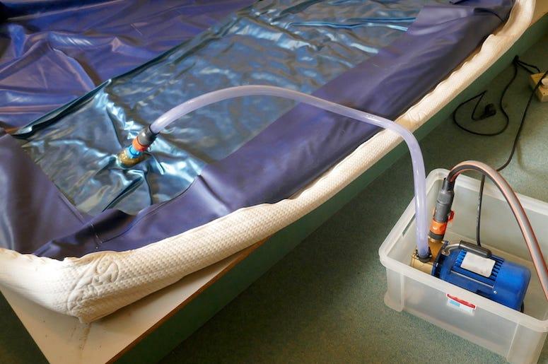 Waterbed, Water Mattress, Bed, Bedroom, Pump