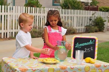 Lemonade Stand, Kids, Sidewalk