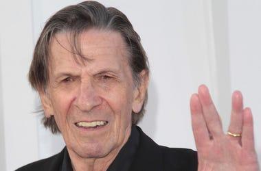 Leonard Nimoy, Spock, Red Carpet, Star Trek Into Darkness, Premiere, 2013, Vulcan Hand Sign