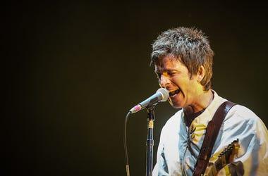 Noel Gallagher, Singing, Concert