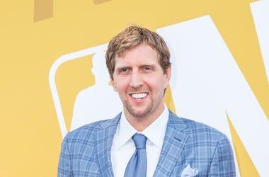 Dirk Nowitzki, Suit, Smile