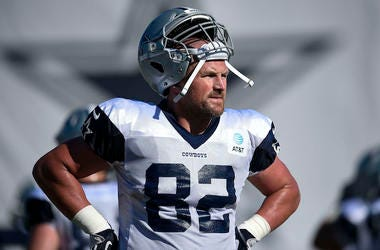 Jason Witten, Dallas Cowboys, Sweaty, Helmet, Training Camp, Oxnard, 2019