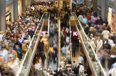 crowded_shopping