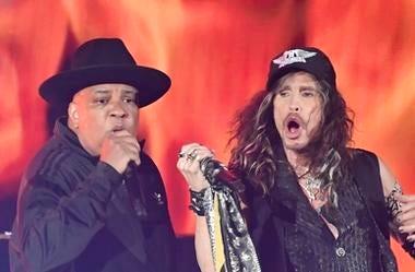 "oseph \""Run\"" Simmons of RUN-DMC perform with Steven Tyler of Aerosmith during the 62nd annual GRAMMY Awards"
