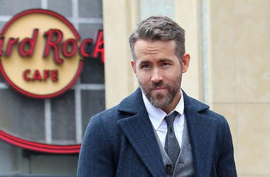 Ryan Reynolds, Smirk, Suit