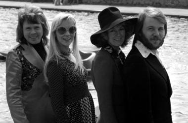 ABBA, Benny Andersson, Agnetha Faltskog, Anni-Frid Lyngstad, Bjorn Ulvaeus, Posing, Lake