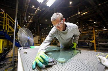 Auto Manufacturing Plant, Fuyao Glass America, Glass Inspection, Goggles,