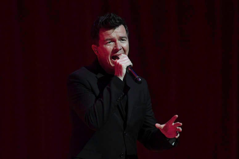 Rick Astley, Concert, Singing, Microphone