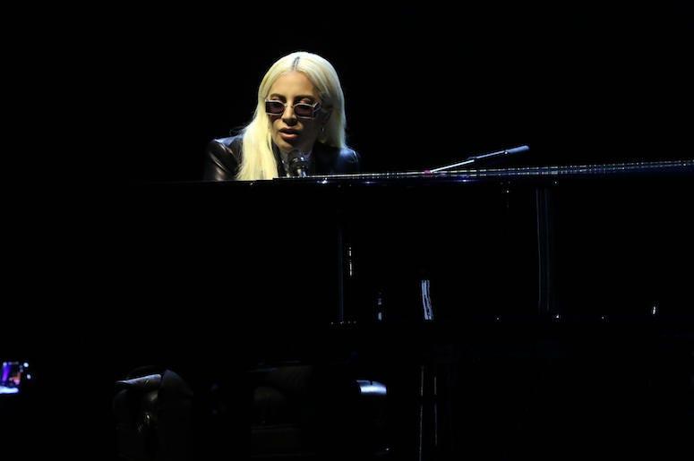 Lady Gaga, Concert, Piano, Sunglasses