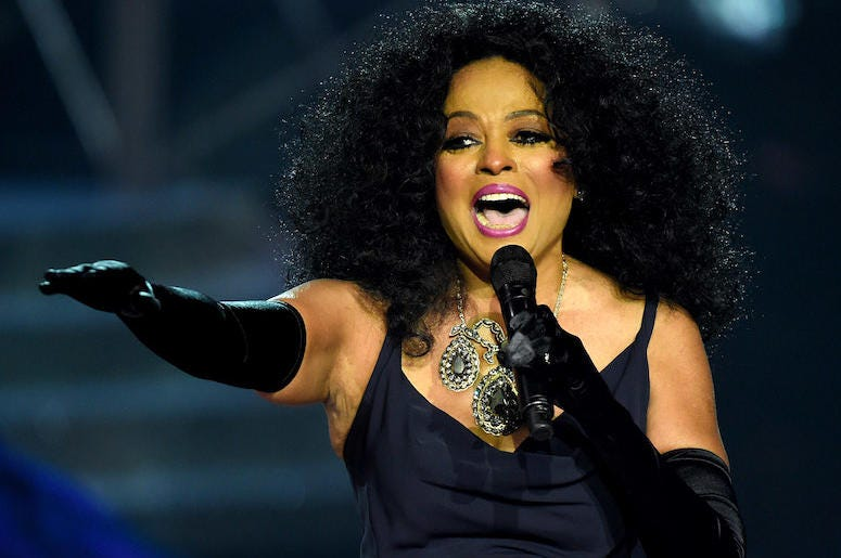 Diana Ross, Concert, Singing, Microphone