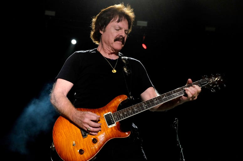 Sarah and Vinnie interview Tom Johnston of The Doobie Brothers