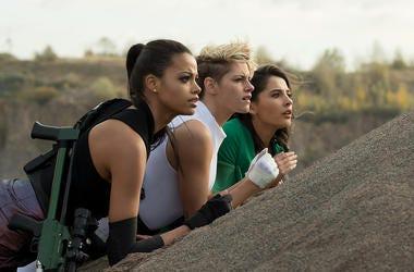Ella Balinska, Kristen Stewart and Naomi Scott in 'Charlie's Angels' (Photo credit: Sony Pictures)