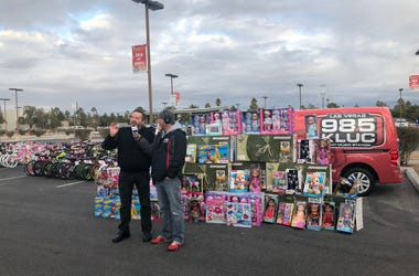 Terry Fator Visits Toy Drive