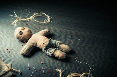 Voodoo Doll, Background, Dramatic Lighting