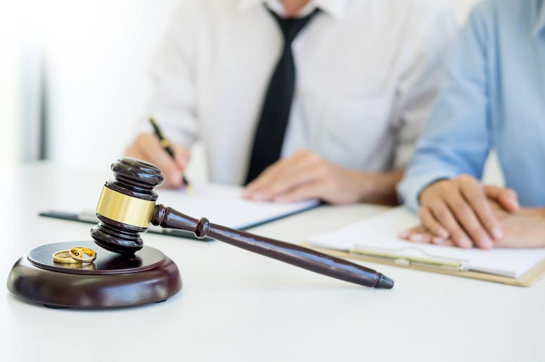 Couple, Angry, Divorce, Proceedings, Lawyer, Gavel, Marriage