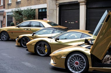 Five distinctive gold wrapped supercars minicabs including the Lamborghini Aventador, Ferrari 488, Rolls Royce Ghost II, Mercedes G Wagon and Mclaren 720s were officially unveiled at a launch event at The Dorchester Hotel in London.