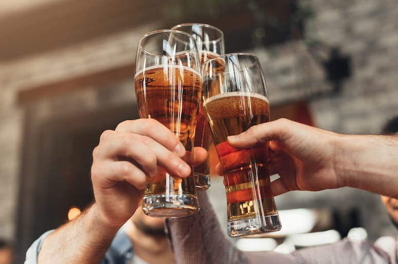 Friends, Toasting, Beer, Bar, Drinks