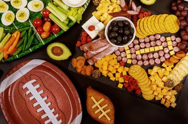 Football, Game Day, Food, Snacks, Charcuterie Board, Veggies, Dip