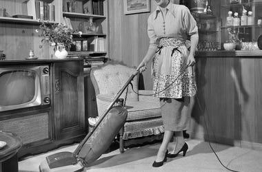 Woman, Wife, Housewife, Vacuuming, Vacuum