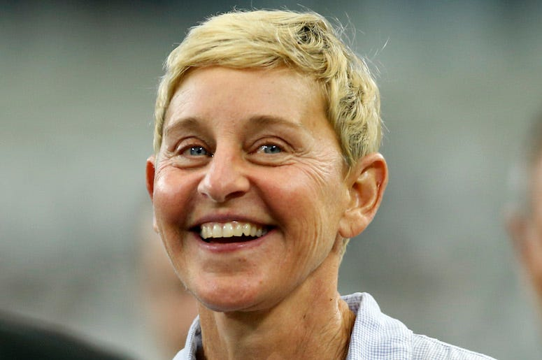 Ellen DeGeneres, Field, Cowboys, Packers, Sideline, Pregame, Smile