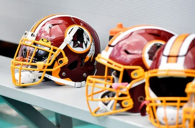 Washington Redskins, Helmets, Sideline, 2019