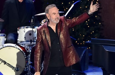 Neil Diamond, Performing, The Rockefeller Center Christmas Tree Lighting Ceremony, 2016