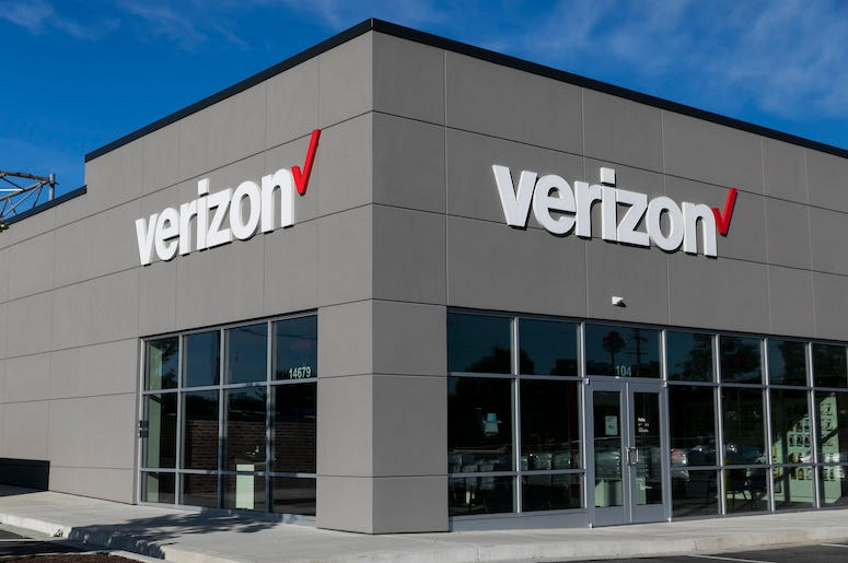 Verizon, Store, Exterior, Martinsburg, West Virginia, 2019