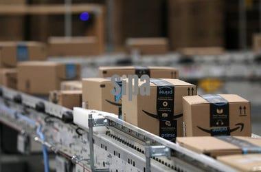 Amazon, Packages, Conveyor Belt, Warehouse
