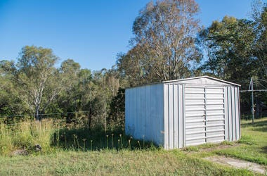 Tin Shed, Backyard, Field, Shed, Shack