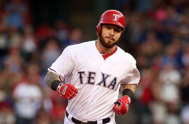 Josh Hamilton, Texas Rangers.Home Run, Running Bases, Globe Life Park