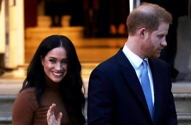 Meghan Markle, Prince Harry, Smile, Wave, Canada House, 2020