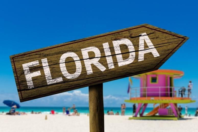Florida sign on the beach