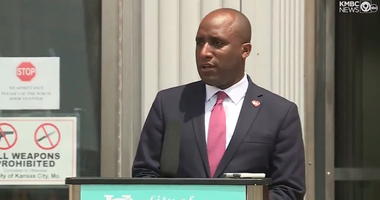 A screenshot of Mayor Quinton Lucas announcing a curfew for KCMO for Sunday night, May 31st