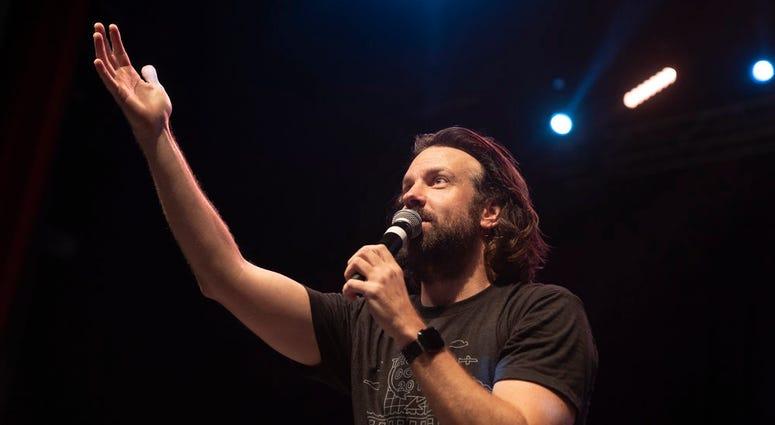 Jason Sudeikis addresses the audience at Thundergong