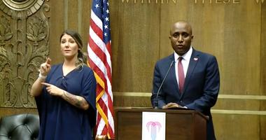 Kansas City, MO Mayor Quinton Lucas addresses the media regarding loosening reopening restrictions to 50 percent, 28may2020