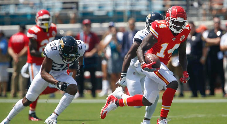 Chiefs receiver Sammy Watkins runs for the end zone against the Jacksonville Jaguars