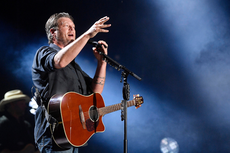 Blake Shelton performs at the 2018 CMA Music Fest at Nissan Stadium