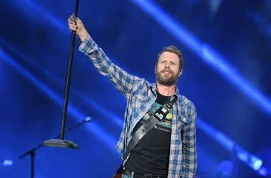 Dierks Bentley performs at the Coral Sky Amphitheatre