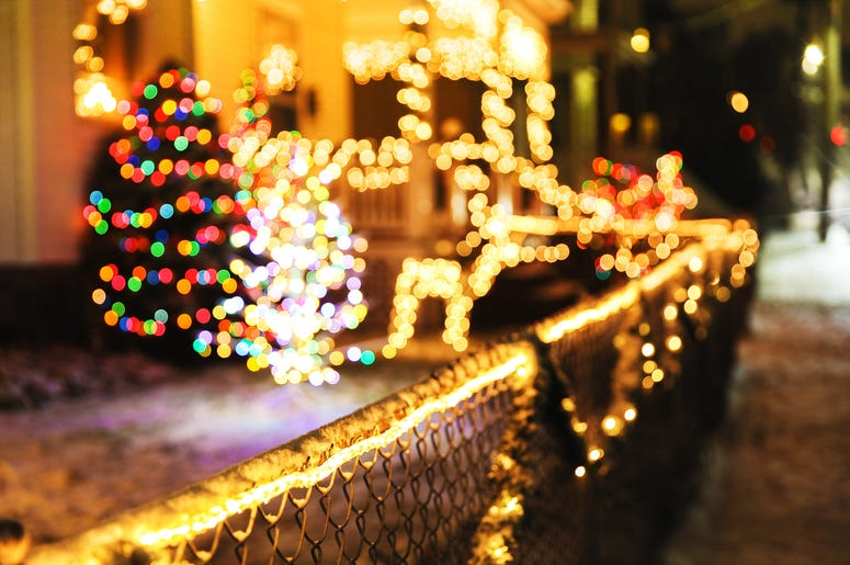how to spread joy during a pandemic, people are rehanging their christmas lights during the coronavirus
