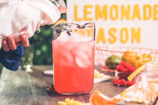 Applebee's Dollar Vodka raspberry lemonade