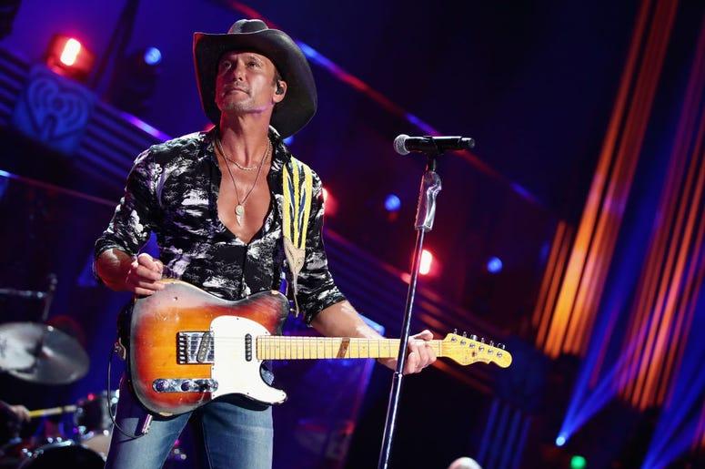 Tim McGraw shirtless