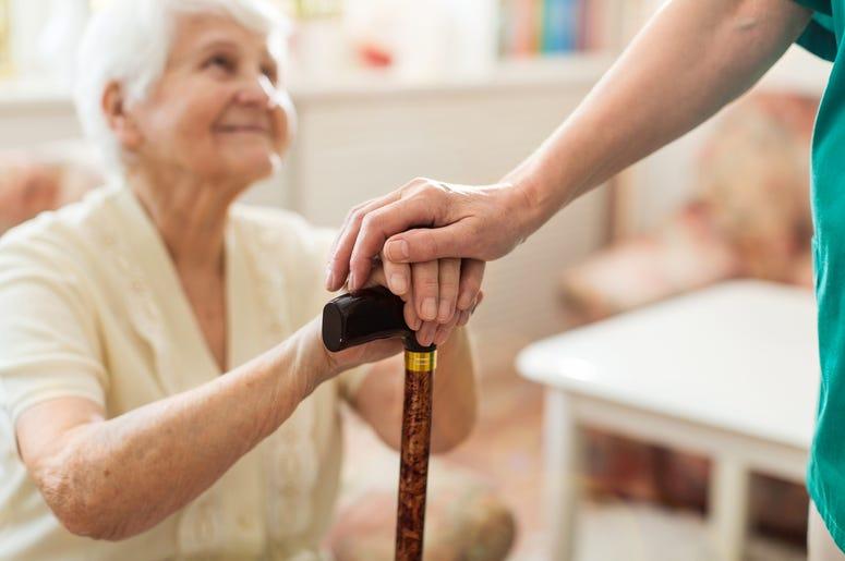 coronavirus effecting nuring homes, coronavirus affecting nursing homes, how to help nursing homes during coronavirus