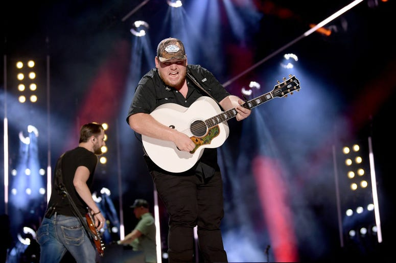 Luke Combs, Luke Combs crocs