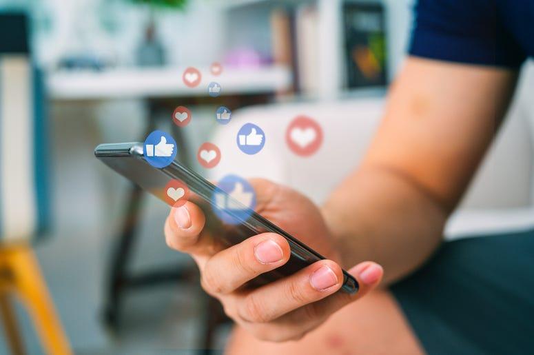 Facebook, Facebook pages, Facebook group pages, Facebook Fight